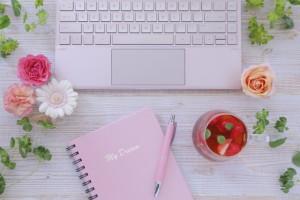ノートとペンとパソコン